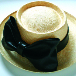 giorgia-foglia-cappello-fiocco