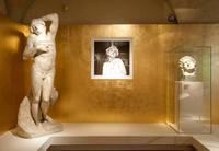 museo-ferragamo-statue